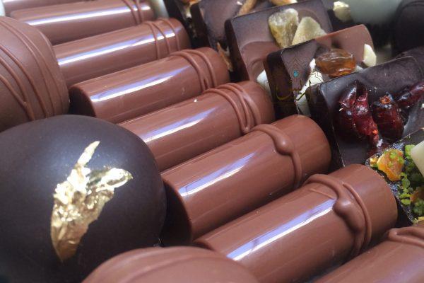 بسته شکلات های ترکیبی