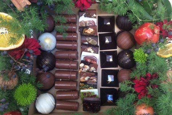 جعبه شکلات های مخلوط ویژه یلدا